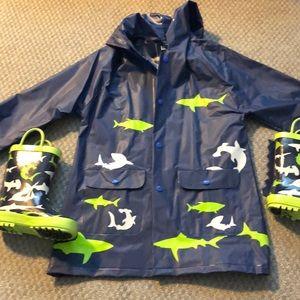 NWOT rain coat and rain boots- 3-5years old